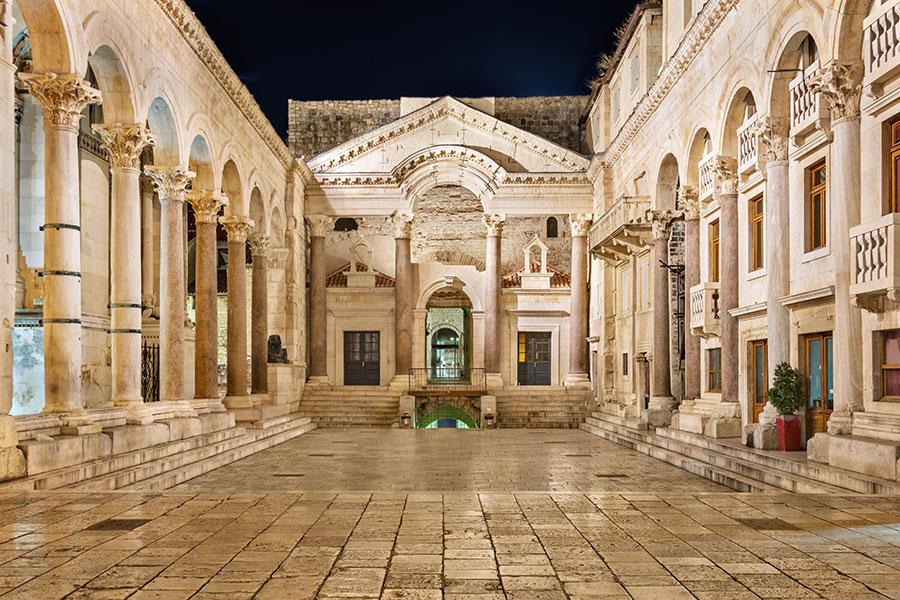 peristil_diocletian_palace_split
